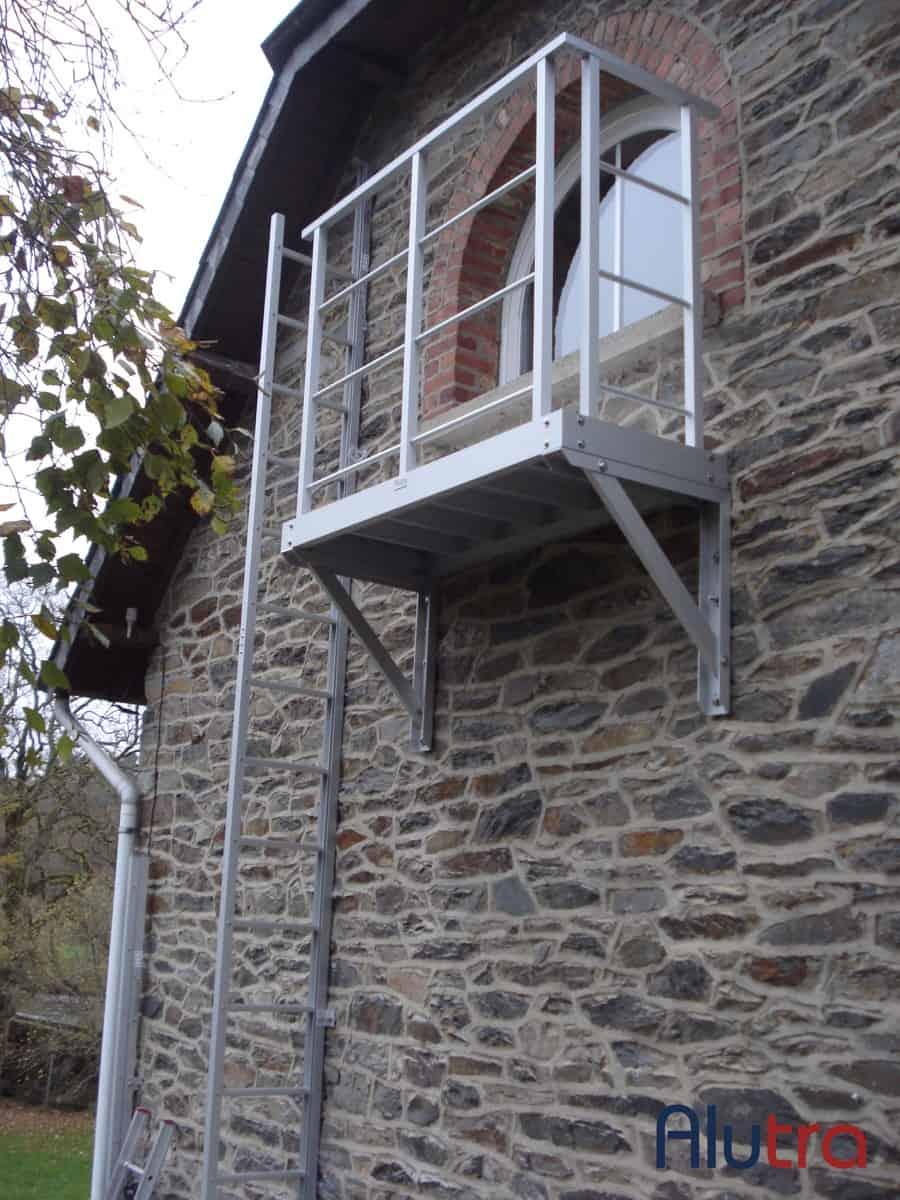 3 Uitklapbare ladder met bordes